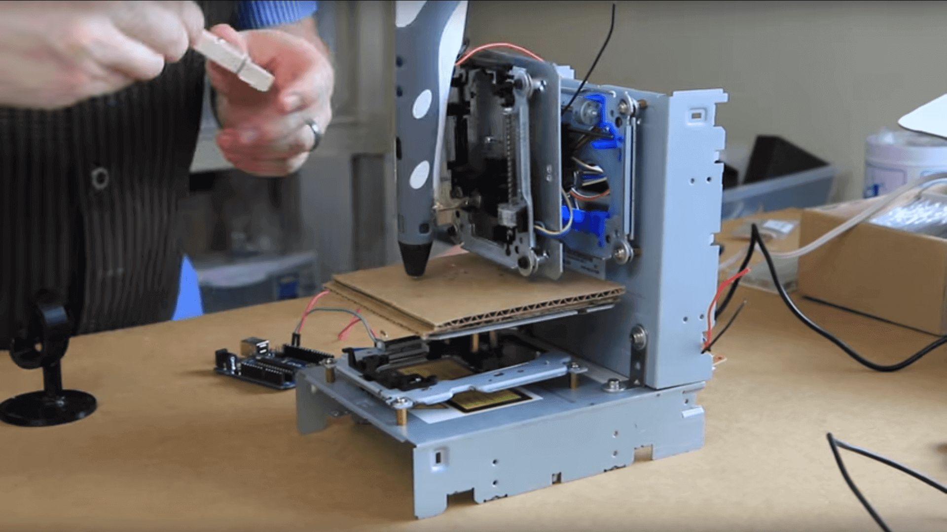 Build A Super Cheap Diy 3d Printer From Old Cd Rom Drives