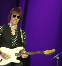 jeff beck still plays a mean guitar after all these years [ 1280 x 720 Pixel ]