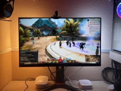 Philips Hue Play, lo probamos: jugar en PC con este sistema ambilight es, sencillamente, genial
