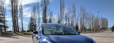 Un dia con el Tesla Model 3: es sencillo verlo como el coche del futuro, pese a que su valor aún diga lo contrario