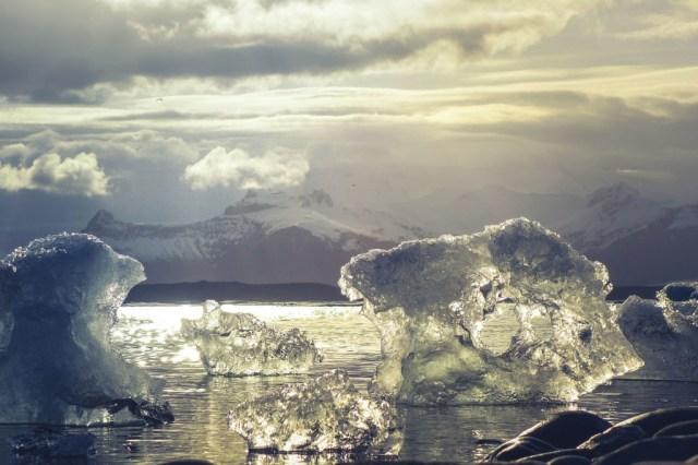 Esta bonita (y terrible) ánimacion nos prueba cómo el hielo del Ártico es cada vez más joven y fino, y eso no es nada bueno