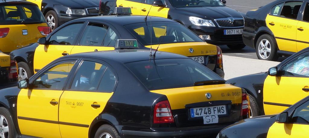 La CNMC alerta que la actual regulación de taxis y VTC perjudicará a los usuarios y recomienda al Gobierno que aplique una normativa más flexible