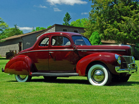 Ford V8 Deluxe 5 Window Coupe 25