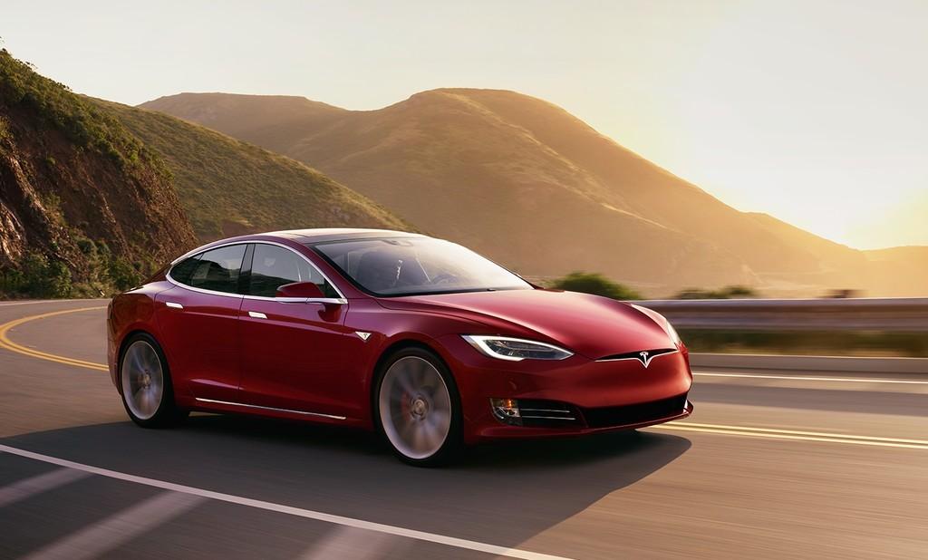 Tesla Model S 2016 Rojo