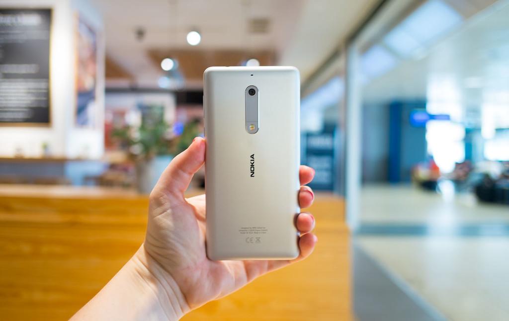 Nokia cinco Trasera