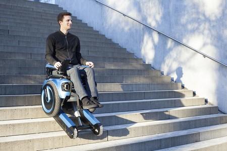 La silla de ruedas del siglo XXI se mueve como un Segway y