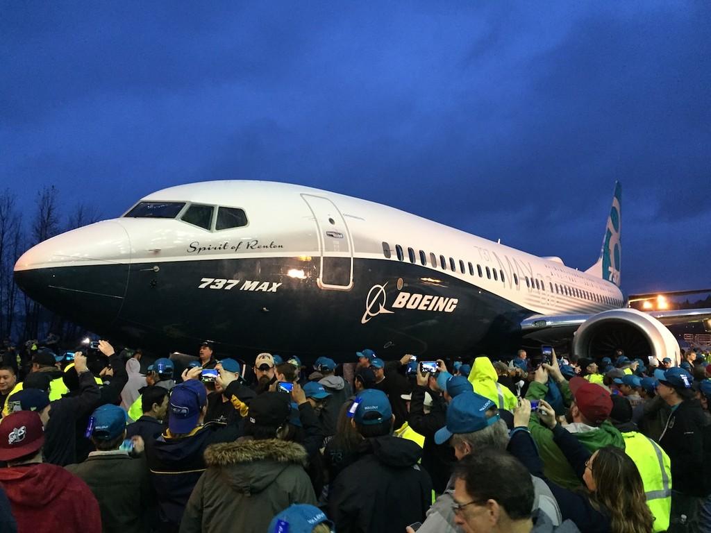 Boeing ante el caos: disminuyen un 20% la producción del 737 MAX mientras que las aerolíneas cancelan órdenes y necesitan compensaciones