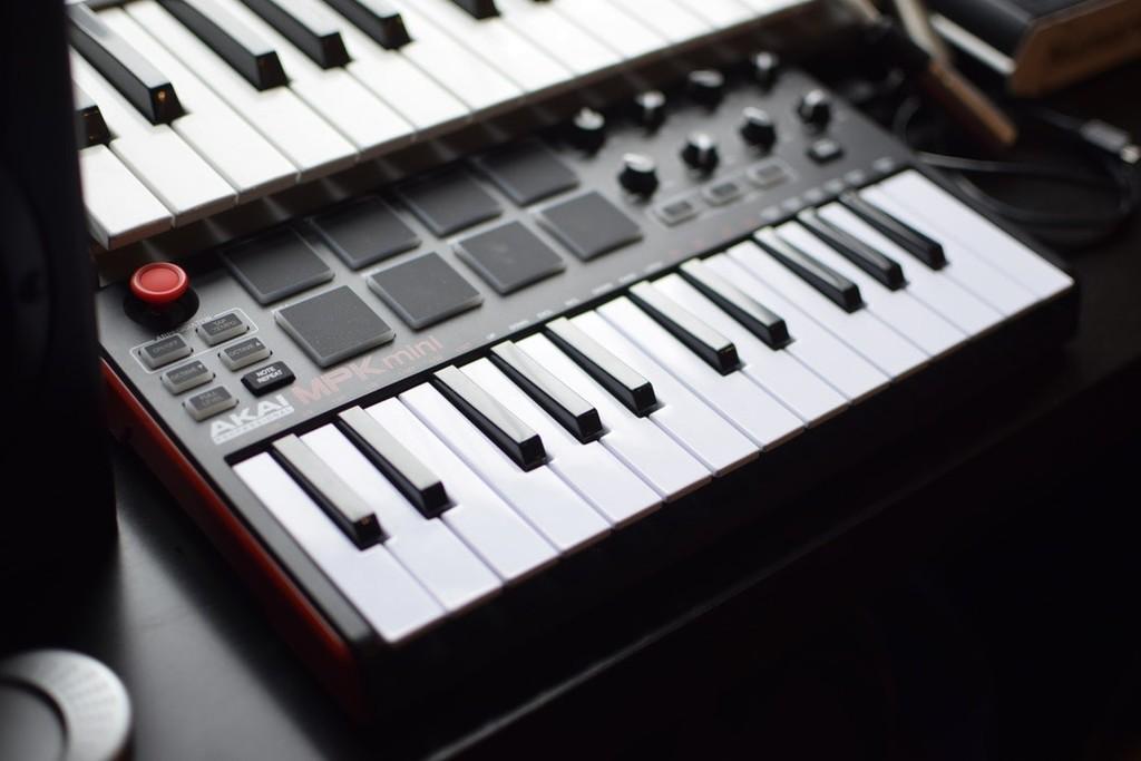 MIDI 2.0 vuelve con nueva versión 36 años después: el protocolo analógico musical será retrocompatible y con mayor resolución
