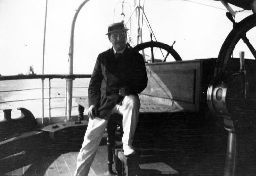 Doyle en un navío por el Mediterráneo