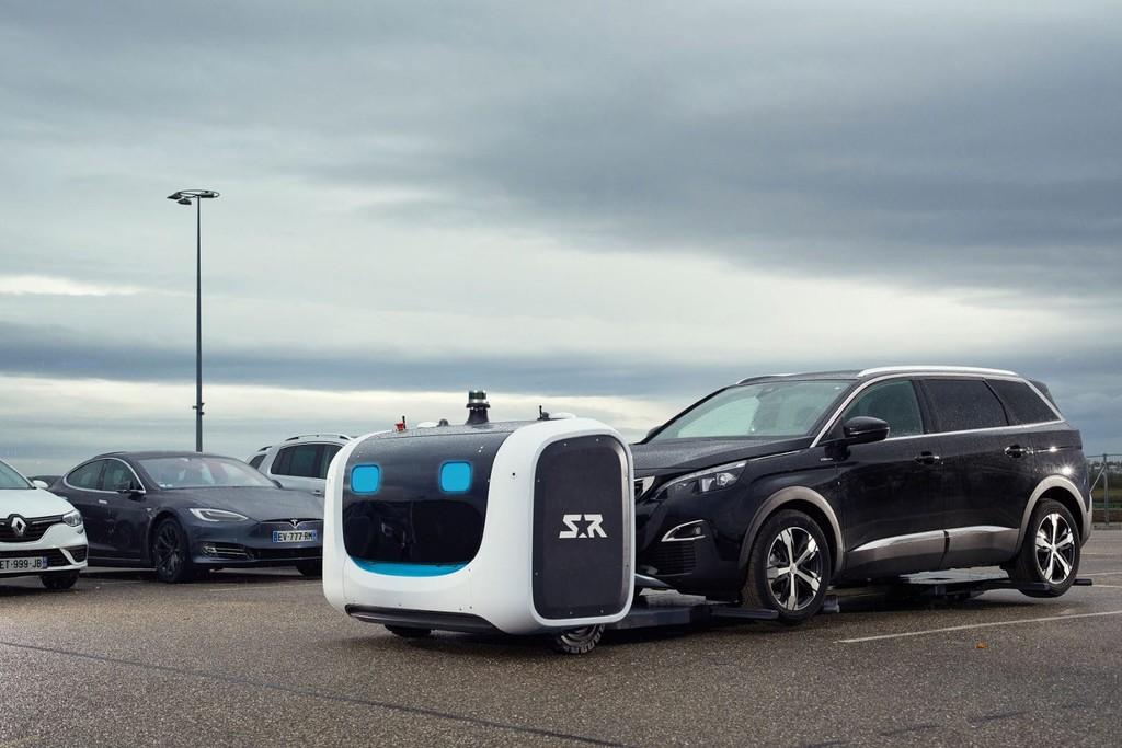 Permalink to El aeropuerto de Gatwick tendrá un nuevo empleado: 'Stan', un robot autónomo que se encargará de aparcar coches