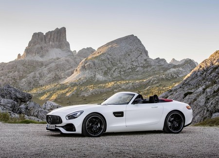 Mercedes Benz Amg Gt Roadster 2017 1600 04
