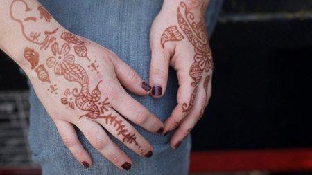 Cuidado Con Los Tatuajes De Henna