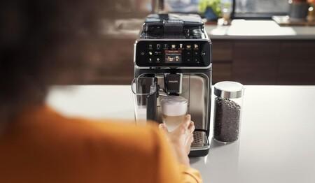 Cafetera Espresso Philips Serie 5400 Lifestyle04