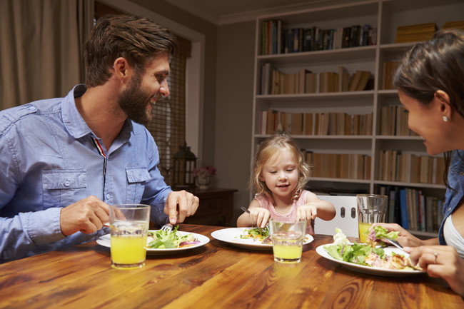 Familia Comiendo Saludable