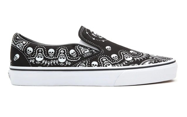 Vans Classic Slip-On (Bandana) Unisex Casual Shoes