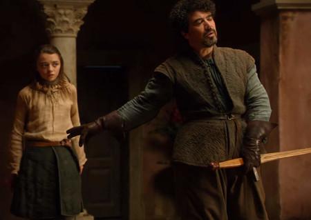 Syrio Forel Defends Arya Stark From Lannister Men