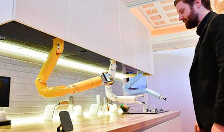 Un brazo robótico para ayudarnos a cocinar y descargue recetas: así es la cocina del futuro según Samsung