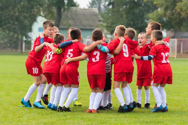 niños-equipo-deporte
