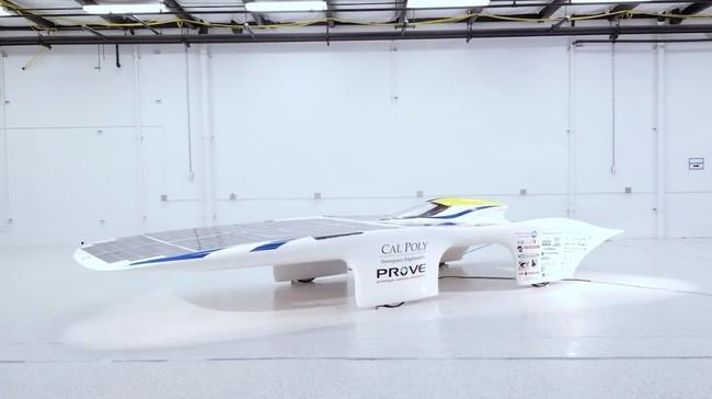Permalink to Este coche se mueve con energía solar, no necesita batería y dicen que es capaz de superar los 100 km/h