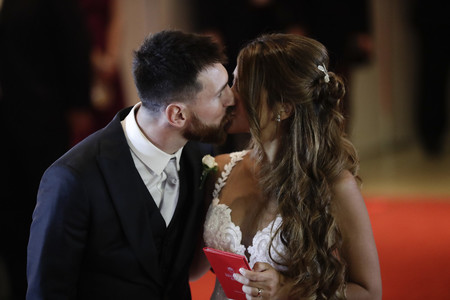 Antonella Roccuzzo Y Leo Messi