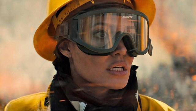 Aquellos que desean mi muerte': intenso tráiler del thriller con Angelina Jolie a las órdenes del autor de 'Wind River' y 'Yellowstone'