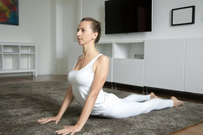 Siete ejercicios que puedes hacer en casa para mejorar tu flexibilidad