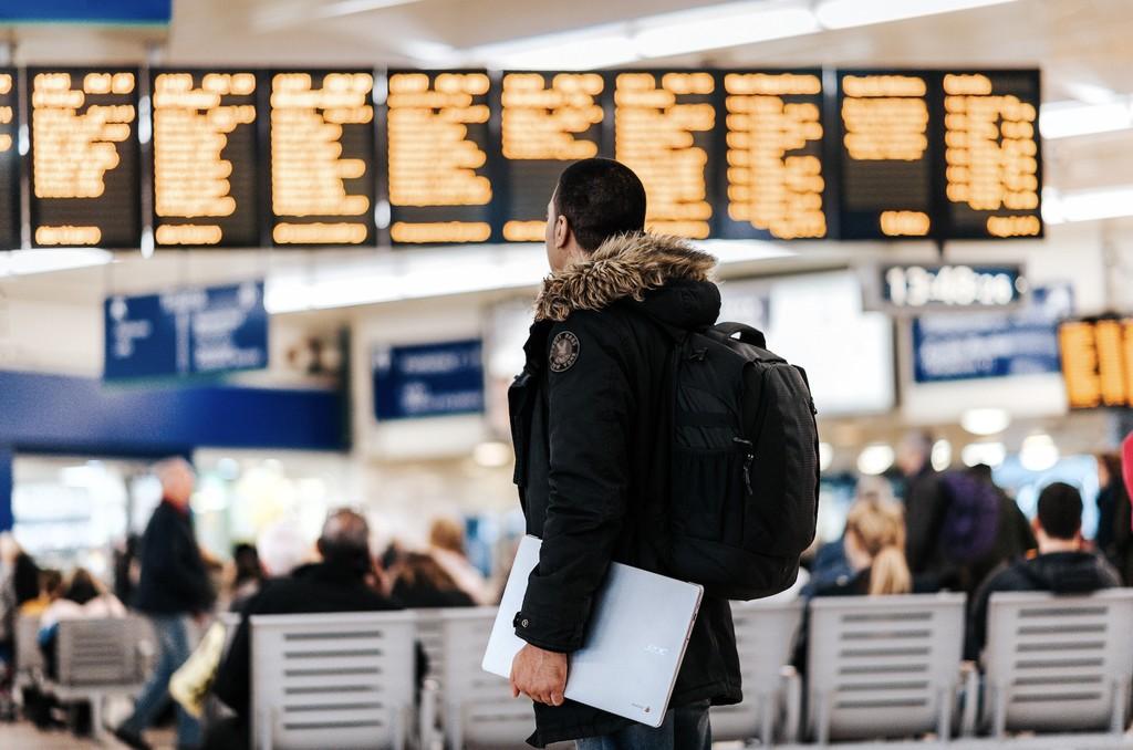 Este equipo pensado para aeropuertos descubre enfermedades contagiosas con sólo examinar el aliento de los pasajeros