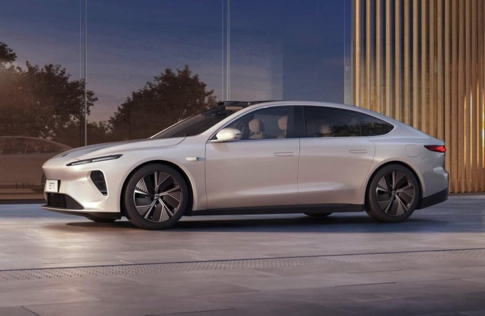 El NIO ET7 es el primer sedán de «la Tesla china»: dispone de conducción semiautónoma y prometen una autonomía de hasta 1.000 km