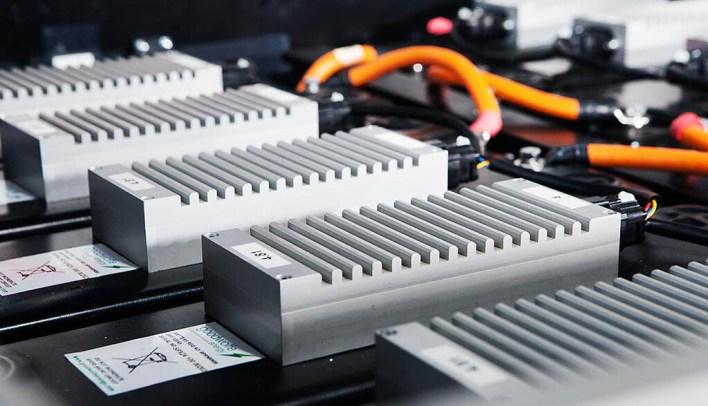 La primera generación de baterías de sodio ya está aquí: la alternativa que amenaza el reinado del litio y promete cargas del 80% en 15 minutos