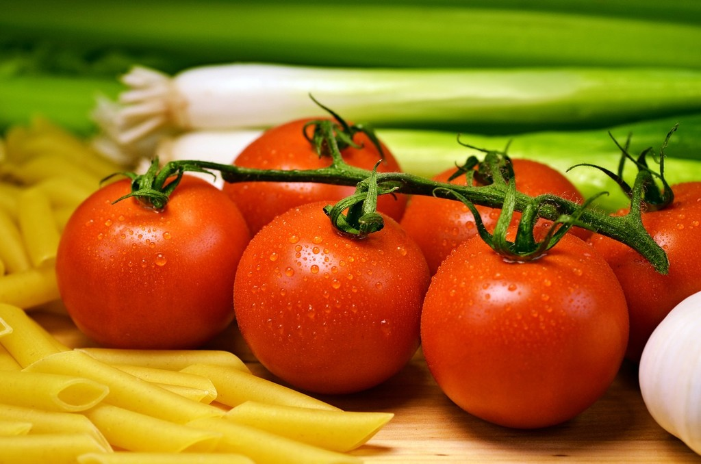 El tomate no eleva el ácido úrico en sangre, aunque sea una creencia popular