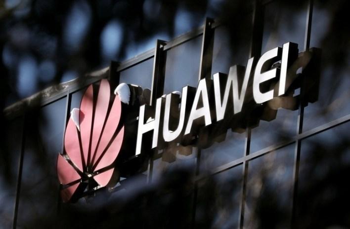 Huawei, eliminada del 5G en Reino Unido: el gobierno prohibe por completo la utilización de sus equipos