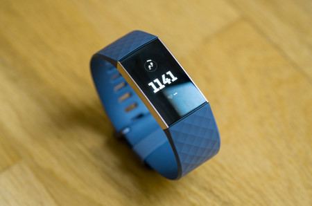 Fitbit Charge 3 01