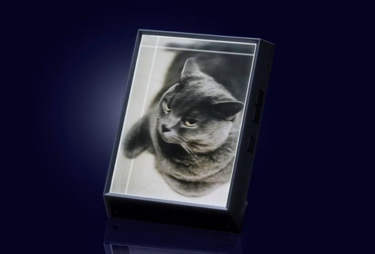 Looking Glass dice convertir cualquier fotografía en un holograma, y tienen un marco para visualizarlas en casa