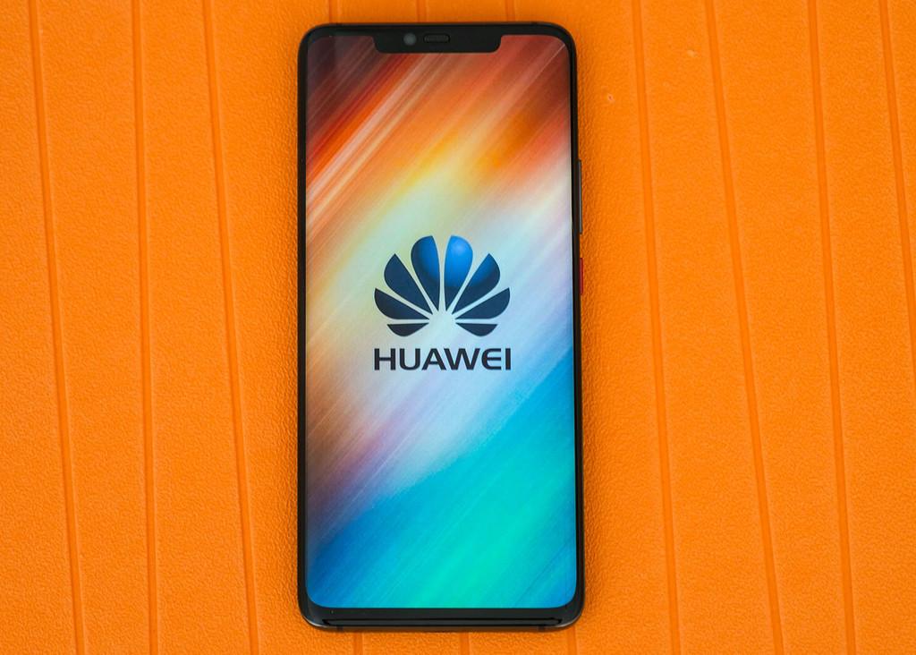 El CEO de Huawei afirmó que lanzarán un movil plegable 5G durante 2019