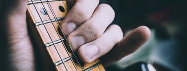 Es posible aprender a tocar un instrumento vía Internet, la clave es no perderse entre tanto contenido