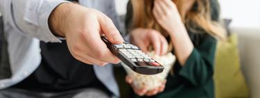 Atracón de temporadas completas o estrenos escalonados de episodios: por qué cada plataforma de streaming emite sus series de forma distinta