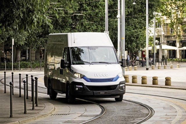 Iveco Daily 2018 011