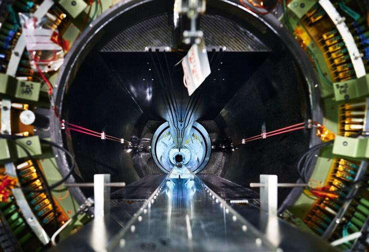 La nueva física tan ansiada por los científicos, un paso más cerca: la probable primera fisura del modelo estándar apunta a exitazo