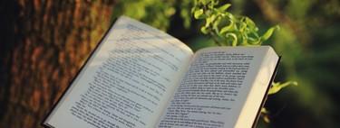 27 libros imprescindibles que el equipo de Xataka recomienda para leer y regalar este Día del libro