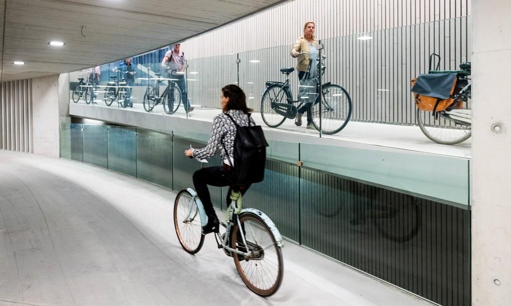 Permalink to El aparcamiento para bicicletas más grande del planeta abre sus puertas en Utrecht: tendrá 12.500 plazas el año que viene