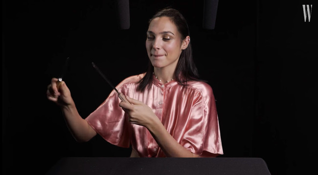 Gal Gadot Explores Asmr With Whispers Knives And Snacks