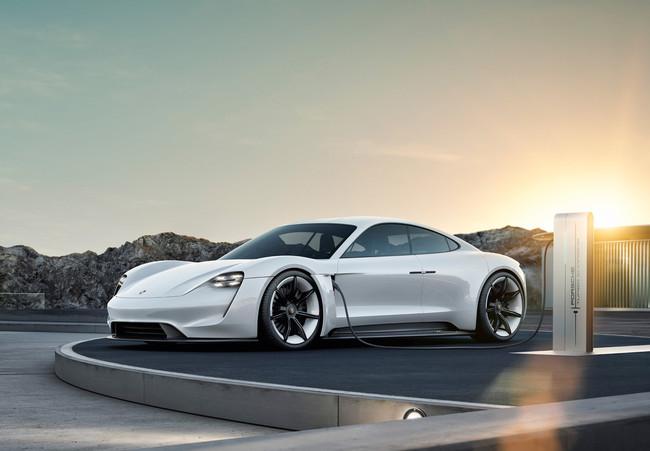 Permalink to Así será el Porsche Taycan: el primer coche eléctrico de Porsche que competirá con el Tesla Model S