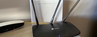 Quiero cambiar la contraseña del router, ¿por dónde empiezo?