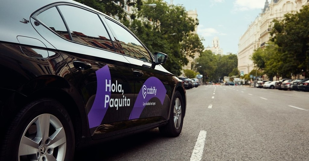 Uber y Cabify se van de Valencia según La Ser: el conflicto del taxi no hay quien lo levante