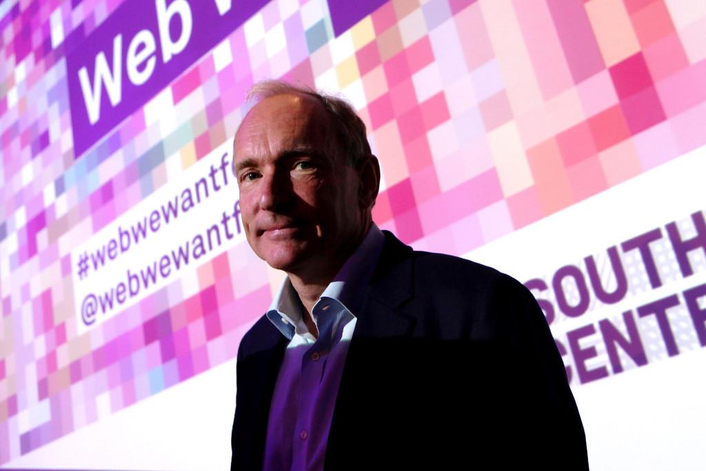Permalink to Tim Berners-Lee anuncia Solid, un proyecto open source de Internet descentralizado con buenas intenciones y algo de utopía