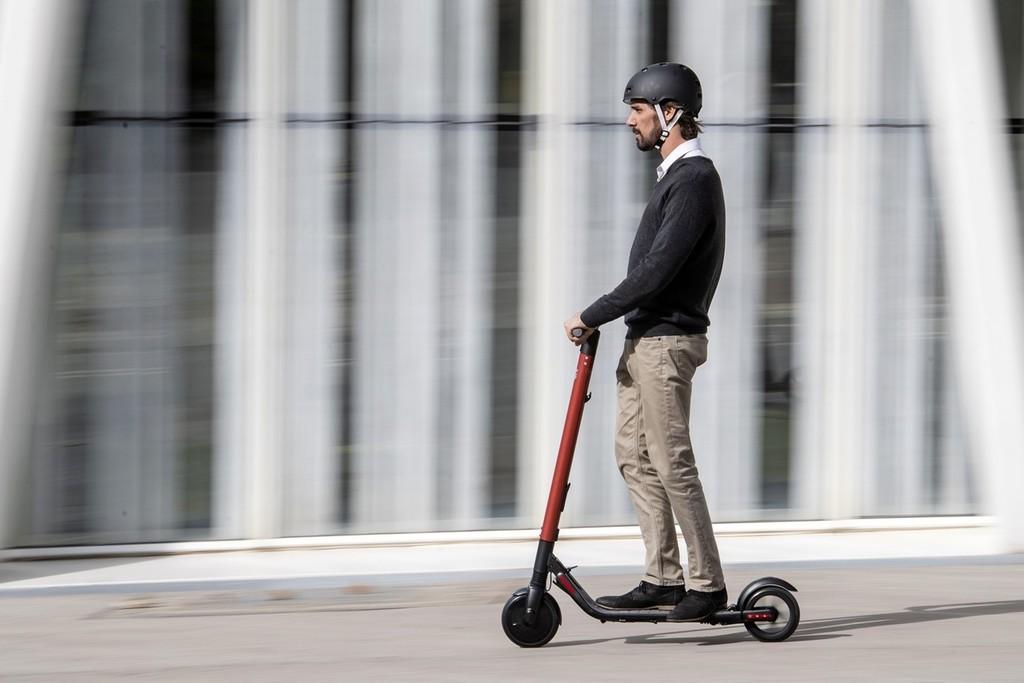 SEAT se enfoca a los patinetes eléctricos aliándose con Segway: hasta 25 km/h y 599 euros para competir con Xiaomi