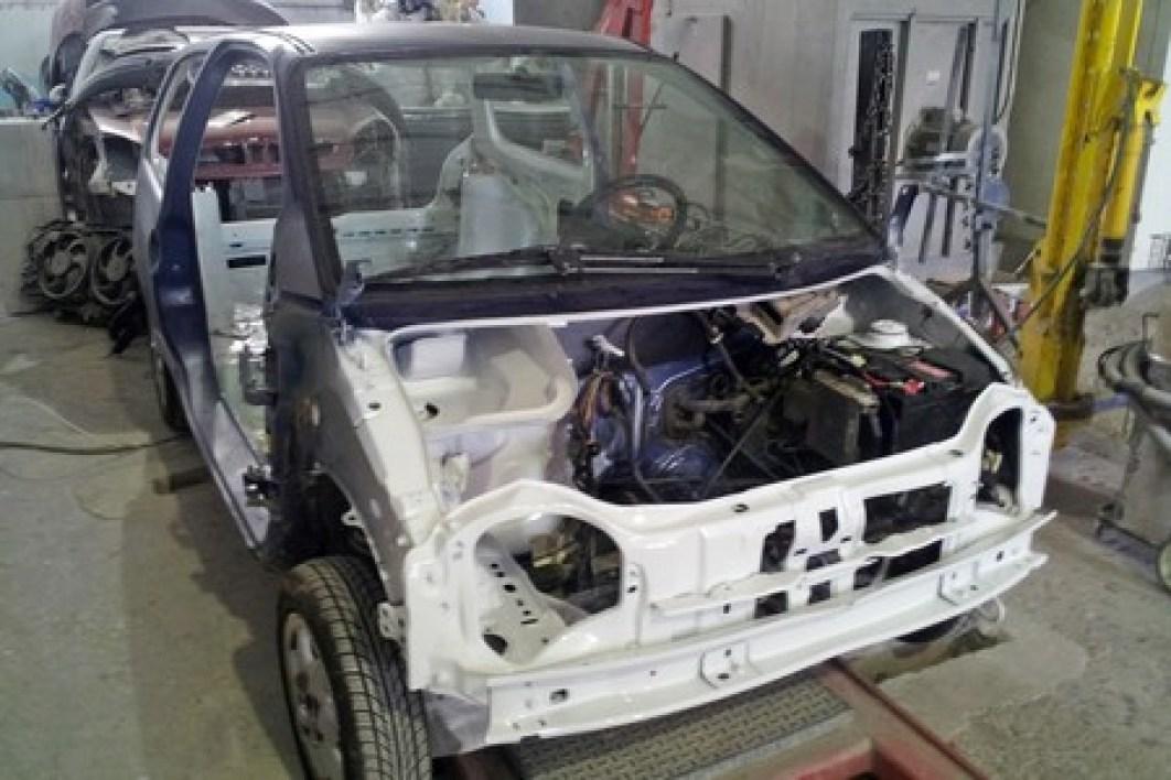 El emprendedor que transforma autos eléctricos en México