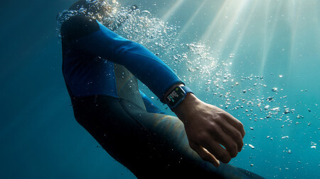 Apple Watch Series 7 swim