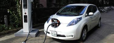 Si mañana me compro un coche eléctrico, ¿qué necesito saber sobre dónde y cómo cargarlo?