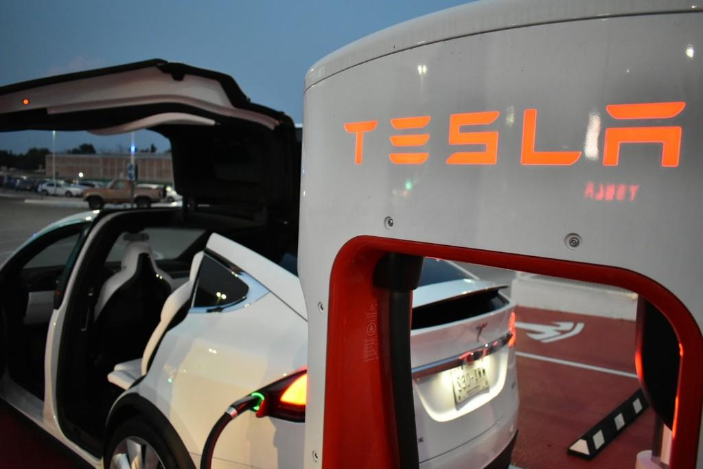 Permalink to Elon Musk ya prepara la tercera generación de su Tesla Supercharger: hasta el doble de rápido con miras a duplicar su red en 2019